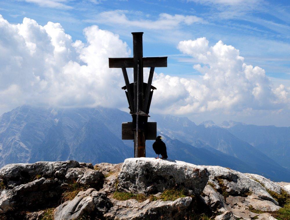 Gipfelkreuz mit Raabe