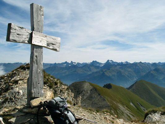 Gipfelkreuz Pezid 2770 m