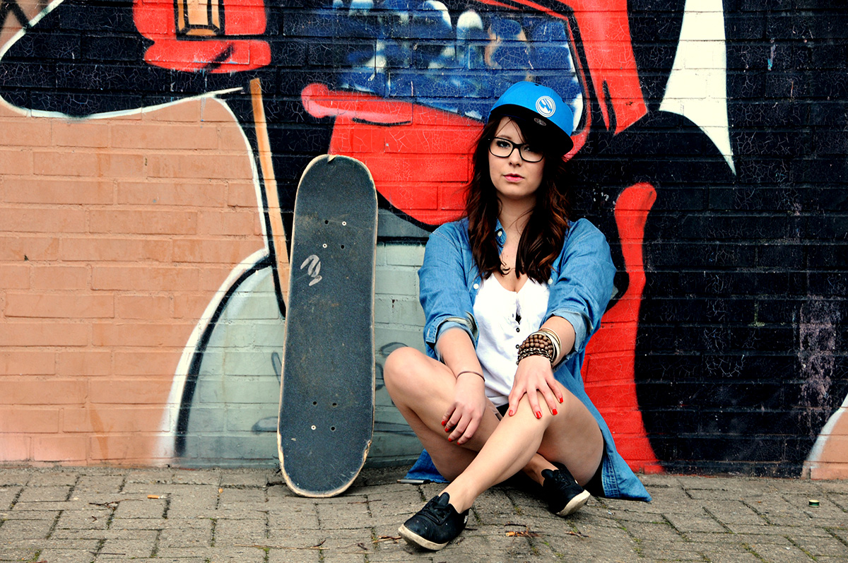 Girl and Graffiti - 3