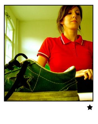 girl-red-shoe