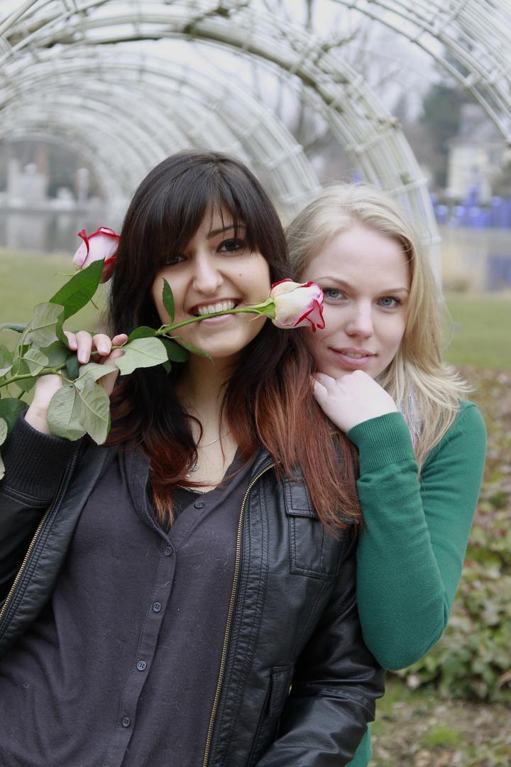 Girlfriends ( 5 )