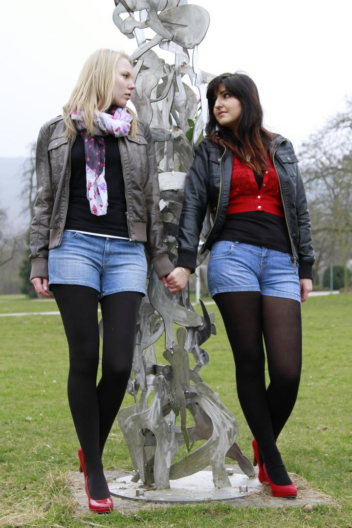 Girlfriends ( 6 )