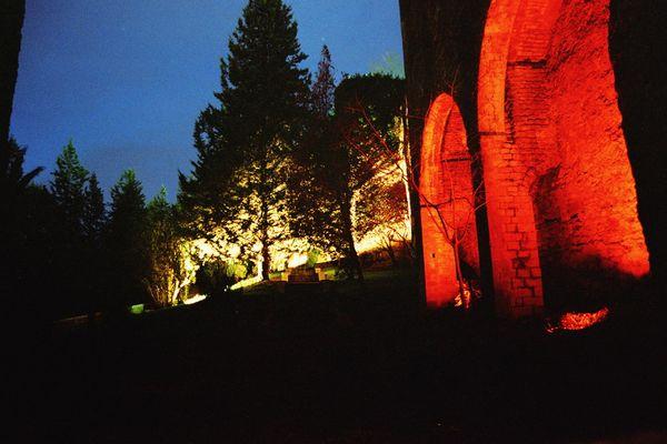 Girona bei Nacht