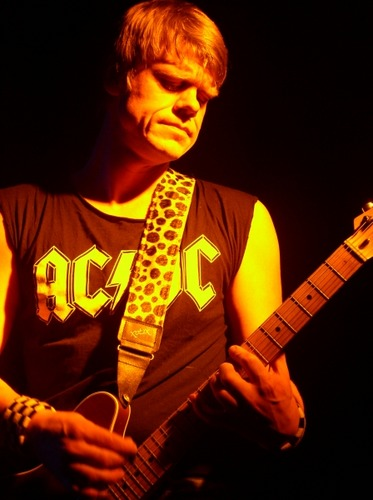 Gitarrist von Null$katte$nylterne
