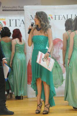 Giulia Urbani Alla conduzione di miss Italia per la regione Emilia