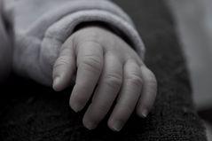 "Giuliana: "" meine Hand """