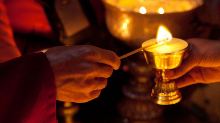 Giving the Light - Trugu Gompa