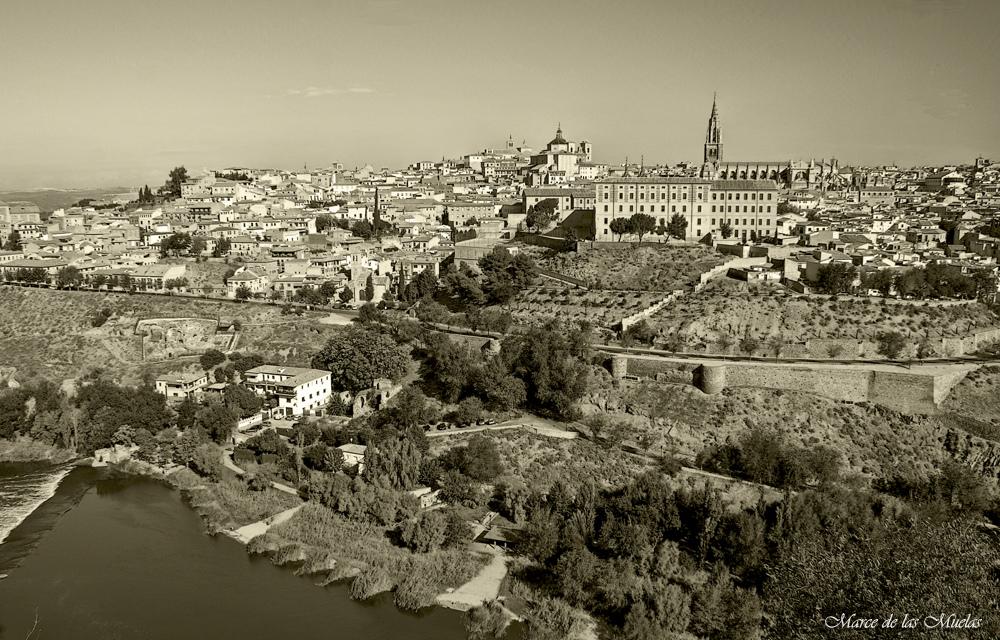 GKM5...Toledo al otro lado del rio...