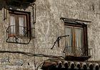 ...GKM5...Toledo..un balcón y una ventana..