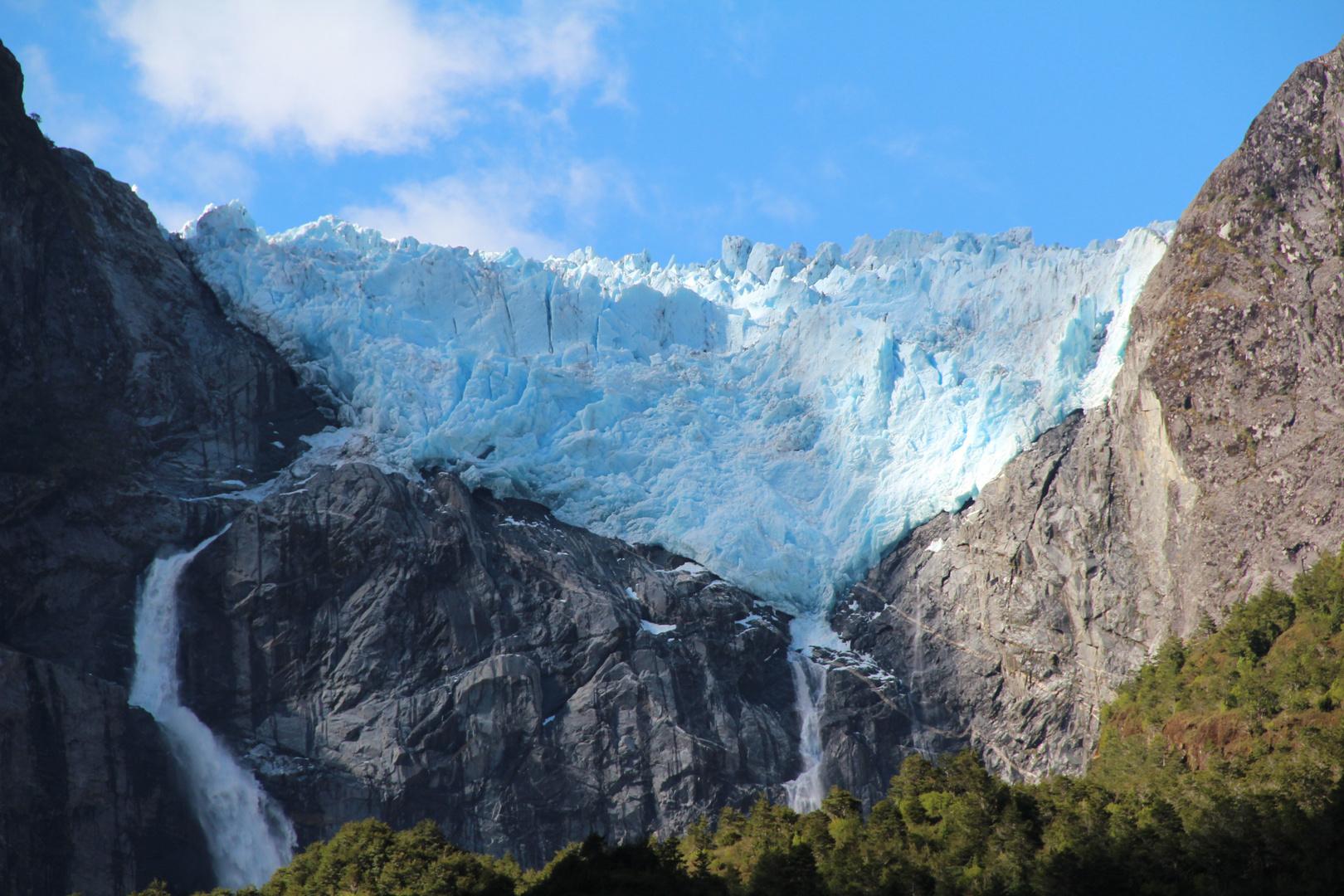 glaciar colgante parque nacional Queulat, región de Aysén chile