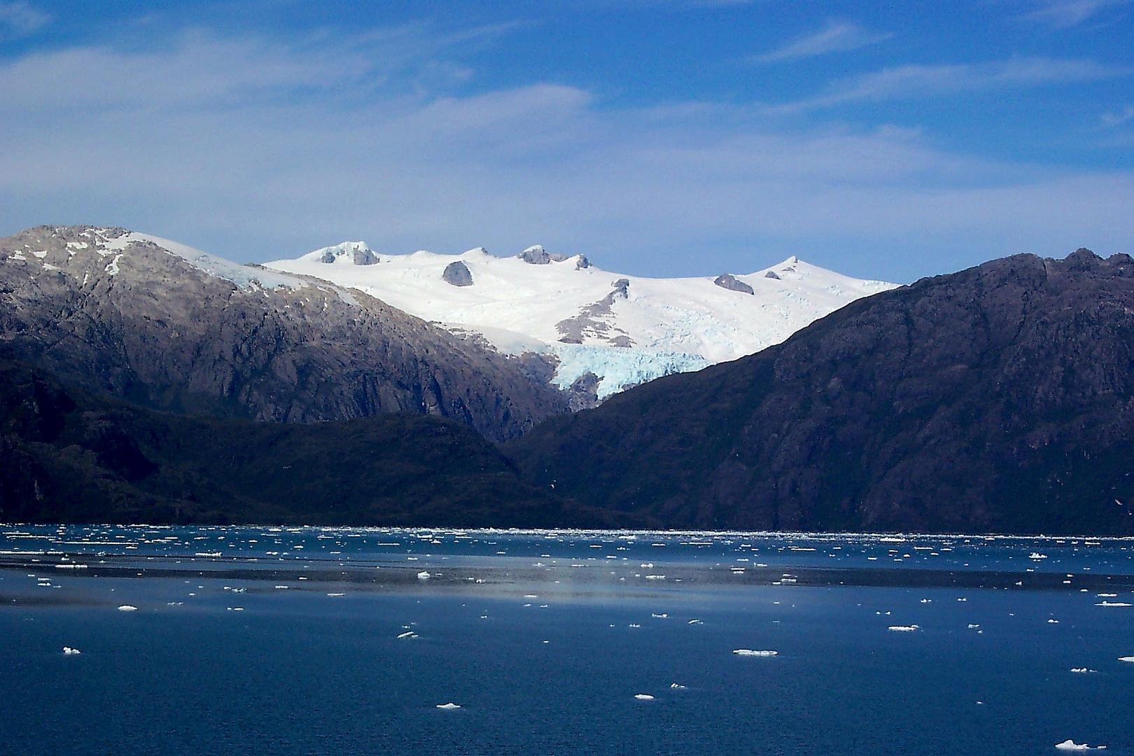 Glaciar en un fiordo chileno