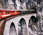 Glacier-Expreß auf Landwasser-Viadukt ......