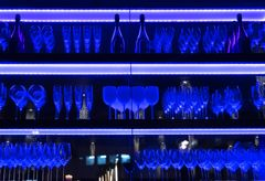 Gläser in Blau