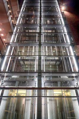 Gläserner Fahrstuhl