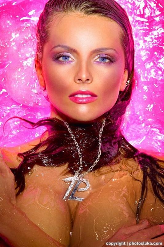 Glamour 38