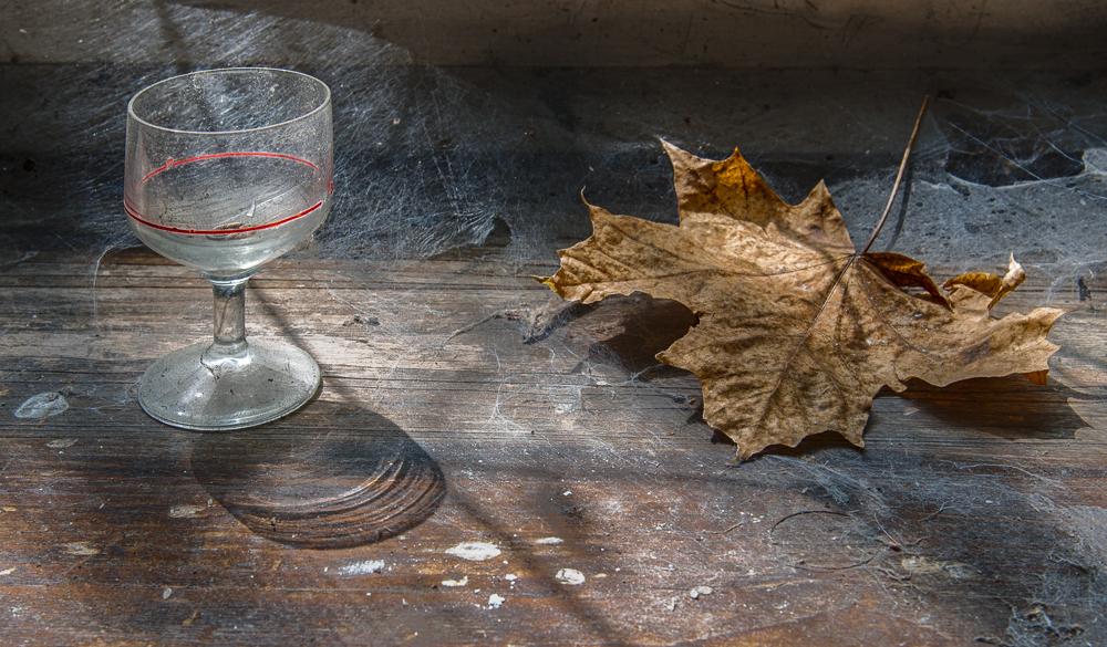 Glas bei Blatt