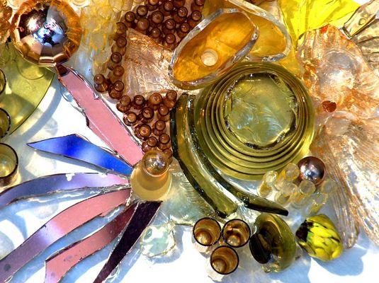 Glas-Collage ... ins Gelbe