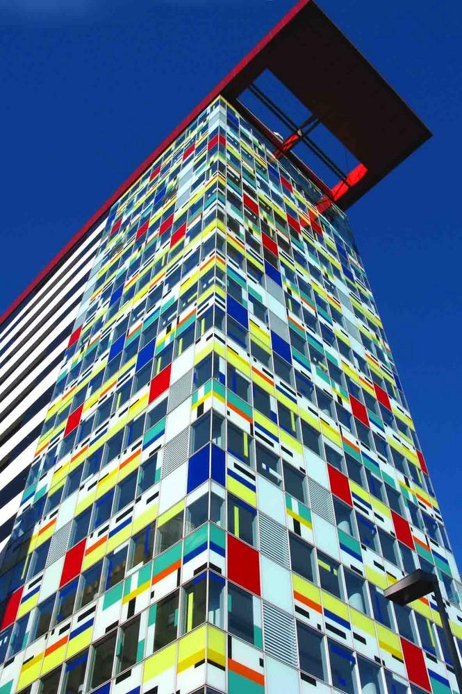 Glas-Colors Front Düsseldorf Medienhafen. Febr. 2008