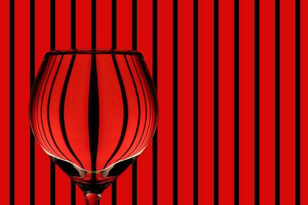 glas rot schwarz