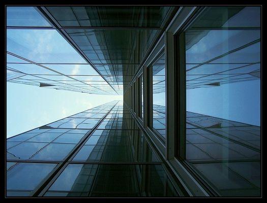 Glas und Wolken