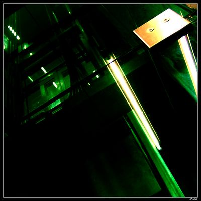 Glasfahrstuhl