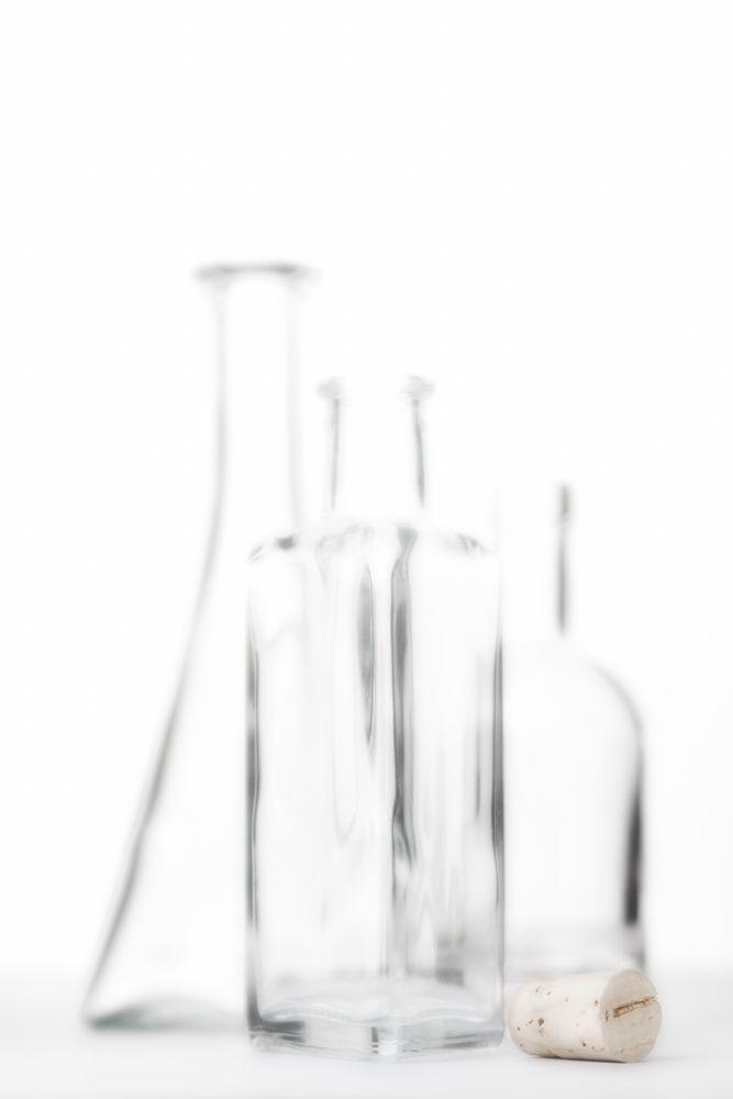 glasflaschen mit korken foto bild stillleben tabletop. Black Bedroom Furniture Sets. Home Design Ideas