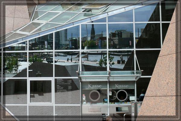 Glasklare Ansichten einer Stadt