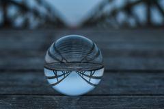 Glaskugel auf der Stralsunder Seebrücke
