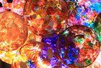 Glaskugeln im Gegenlicht