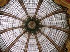 Glaskuppel des Kaufhauses Galeries Lafayette in Paris