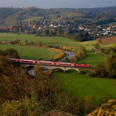 Gleicher Zug und gleiche Brücke...
