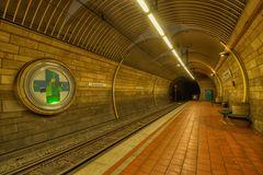 Gleise an der U-Bahnhaltestelle Schloß Broich