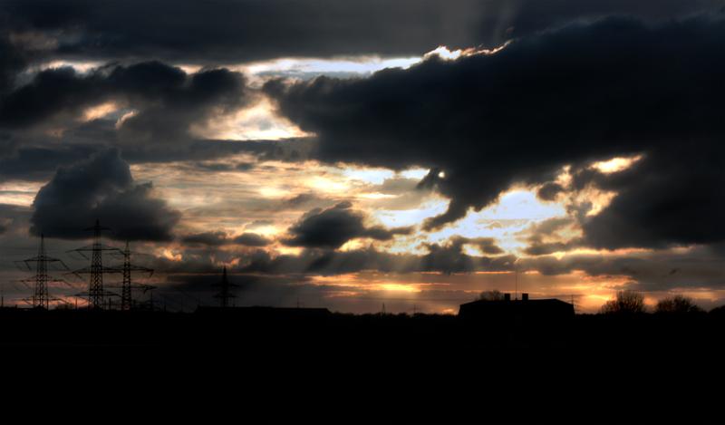 Gleißender Sonnenuntergang