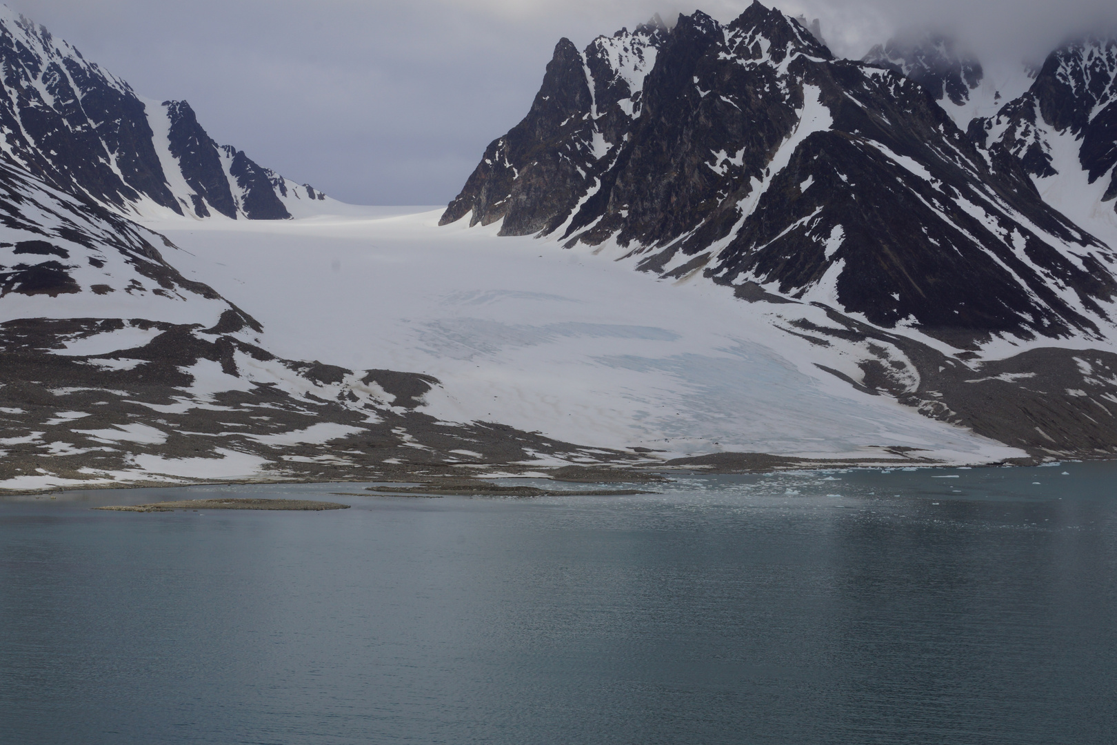 Gletscher im Magdalenen-Fiord auf Spitzbergen