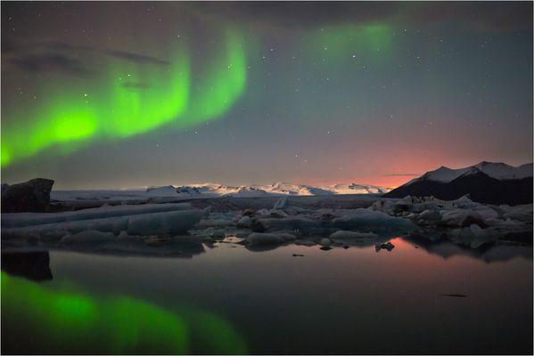 Gletschereis, Vulkanfeuer und Nordlicht..