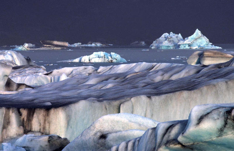 Gletscherlagune im Mondlicht