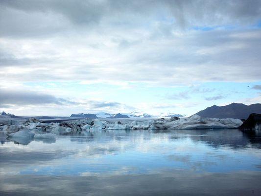 Gletschersee am Fuß des Vatnajökull