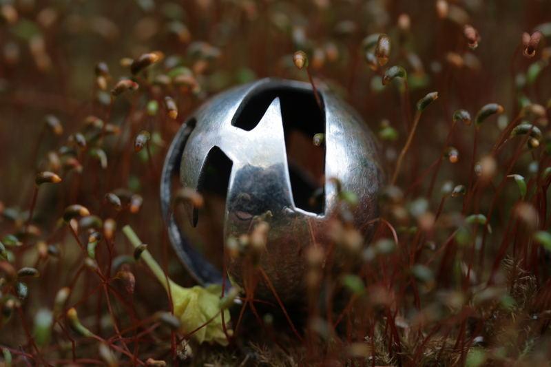 globe of metal