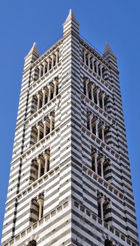 Glockenturm des Doms in Siena