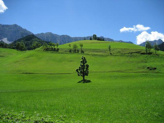 Glück ist, wenn man bei einer Fahrt ins Blaue auf so eine beeindruckende Landschaft stößt.