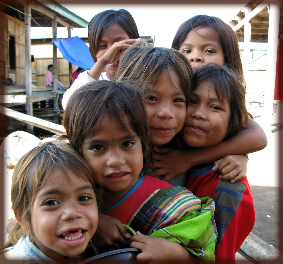 glückliche Kinder- Flores/ Indonesien