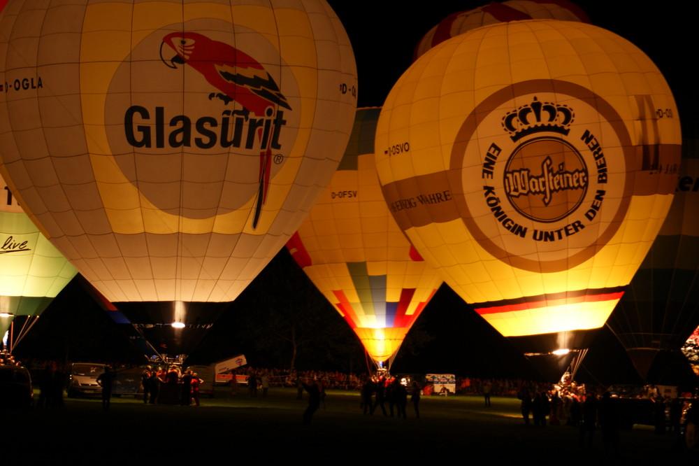 Glühende Ballone