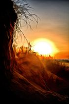 Glühende Sonne am Meer