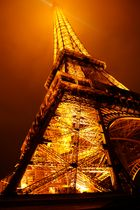 glühender Eiffelturm