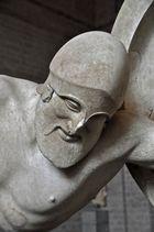 Glyptothek München: Giebelfigur des Aphaia-Tempels in Ägina