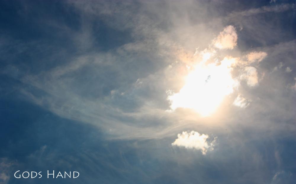 Gods Hand - Wolken