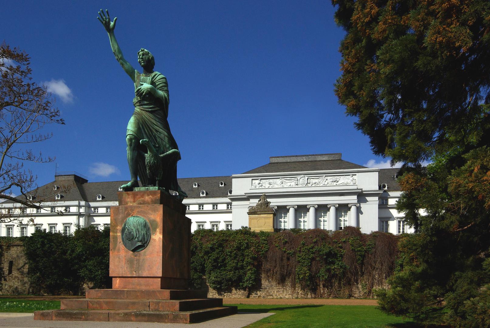 Görres-Denkmal vor dem kurf. Schloss Koblenz