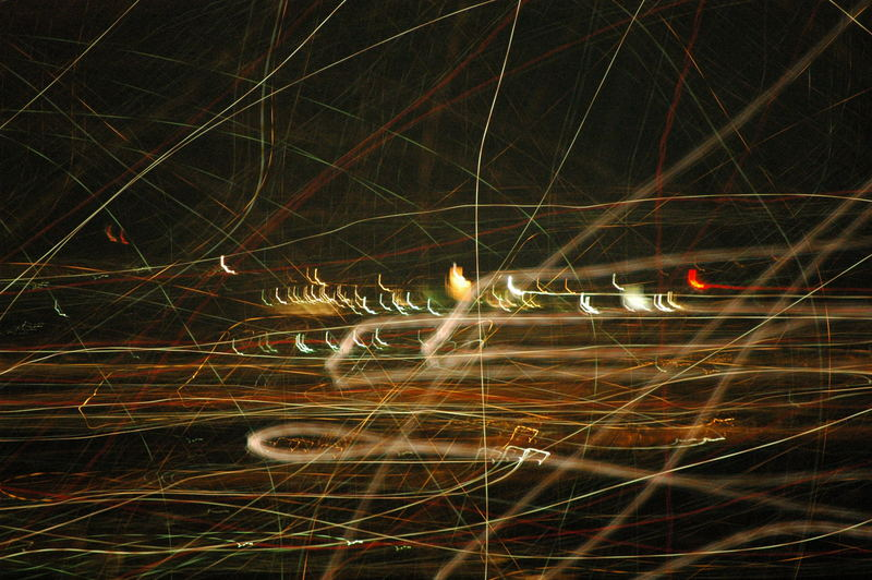 Göttingen von oben bei Nacht - kreuz und quer