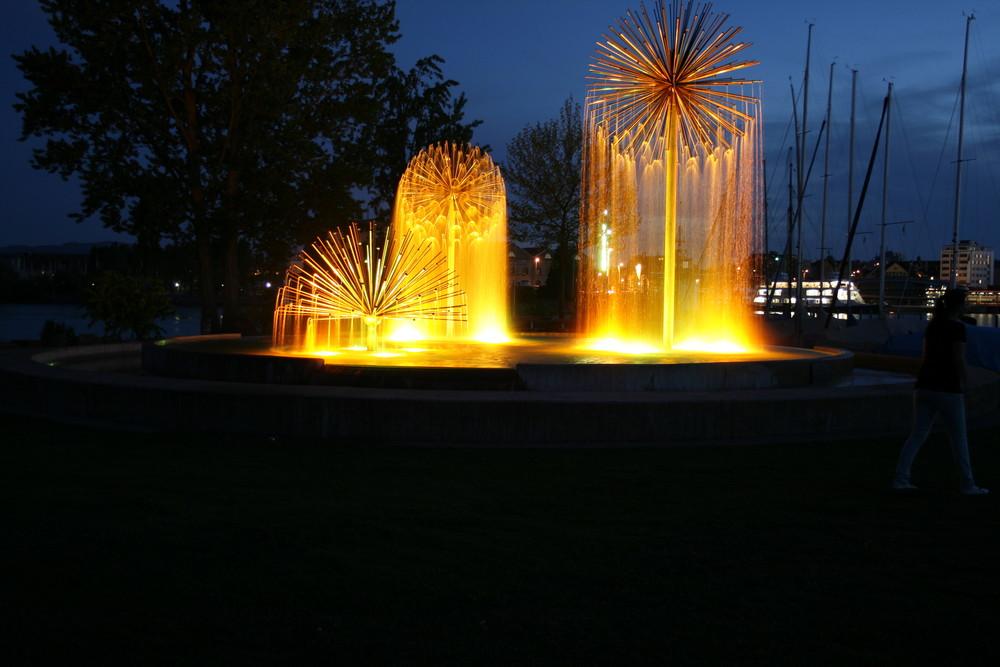 Gold Regenbrunnen