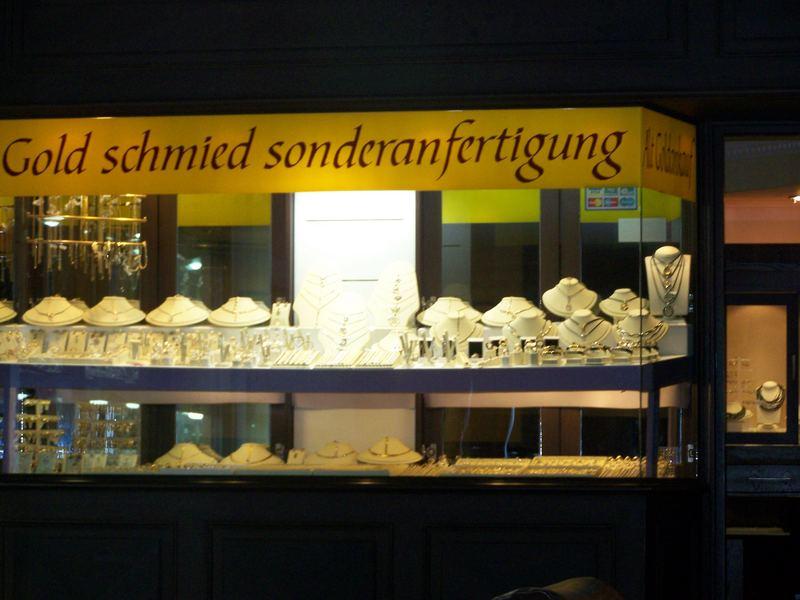 Gold schmied-he?